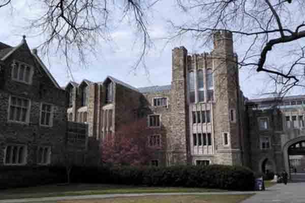 美国杜克大学本科录取条件有哪些  想申这所南方哈佛GPA的要求很高哦内容图片_2