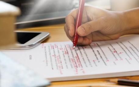 雅思写作考试应该用什么结构?2篇作文的内容和语法结构可以这样安排内容图片_1