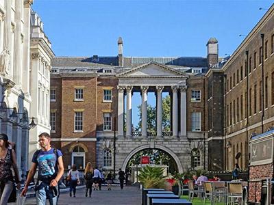 伦敦玛丽女王大学本科雅思要求接受 附ALEVEL与高考成绩申请条件