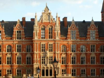 英国本科学校怎么选呢?这写排名高录取高的大学确定不考虑一下